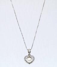 Γυναικείο Κολιέ Χρυσό Κ14 Με Μαργαριτάρια. Γυναικείο κολίε, λευκό χρυσό, 14 καράτια με πέτρες ζιργκόν και μαργαριτάρια.