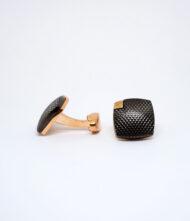 Μανικετόκουμπα Ατσάλινα σε Ροζ Χρυσό Χρώμα. Μανικετόκουμπα φτιαγμένα από ανοξείδωτο ατσάλι σε ροζ χρυσό με μαύρη λεπτομέρια χρώμα.