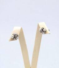 Χρυσά Σκουλαρίκια 14 Καράτια Με Μαργαριτάρια. Σκουλαρίκια από λευκό χρυσό, 14 καράτια με μαργαριτάρια.