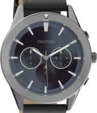 Ανδρικό ρολόι ΟΟΖΟΟ με μαύρο χρώμα καντράν και με σκούρο μπλε χρώμα λουράκι. Η διάμετρος της κάσας είναι 45mm και είναι κατασκευασμένη από μέταλλο.